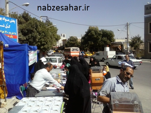 کمک ۴۳۰میلیون ریالی مردم شهرستان خرمدره در جشن عاطفه ها