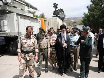 توقع دشمن در محدود شدن برنامه موشکی ایران احمقانه است