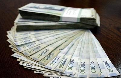 اقتصاد در هفته جاری/ هجوم ریسک پذیرها به بورس/ اجرای بدون پیش شرط مصوبات سود بانکی