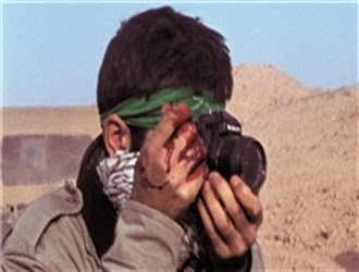 به مناسبت بزرگداشت عملیات «والفجر یک» ماجرای عجیب یک عکاس جنگی/ سماجت +تصاویر منتشر نشده