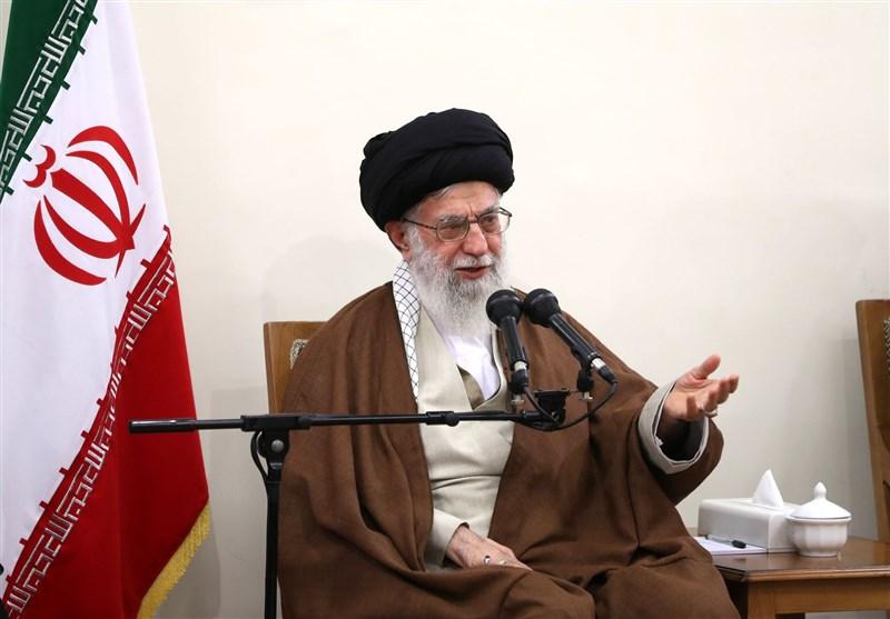 امام خامنهای: اقامه زکات باید سرلوحه برنامهها قرار گیرد