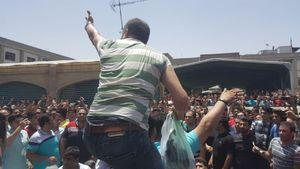 در التهابات بازار تهران چه گذشت؟ / بازاریان در مقابل شعارهای «نه غزه؛ نه لبنان» و «رضاشاه روحت شاد» متحد شدند + عکس و فیلم