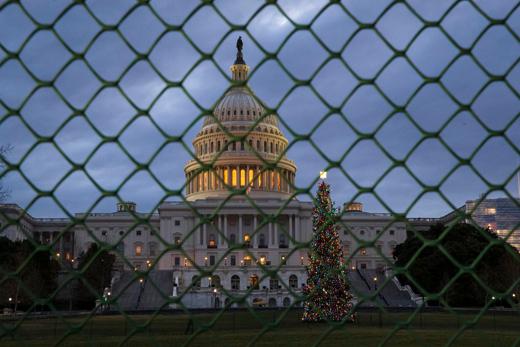 زندگی مردم آمریکا قربانی دعوای سیاسی ترامپ و دموکراتها