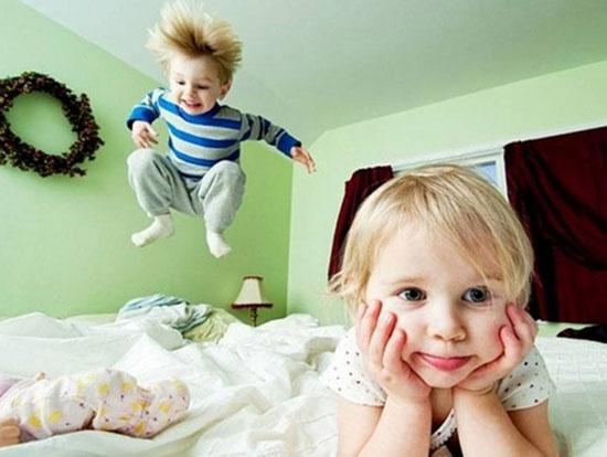چرا کودکان در مهمانیها غیر قابل کنترل میشوند؟/ با فرزندتان مهربان اما قاطع برخورد کنید