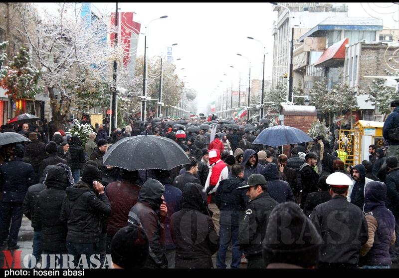 راهپیمایی مردم زنجان در حمایت از مواضع رهبر انقلاب و محکومیت فتنه اشرار +فیلم