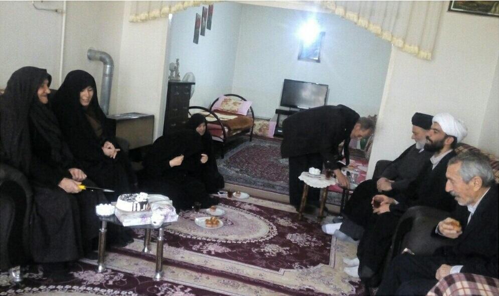 جشن تولدی متفاوت برای مادر شهید در خرمدره