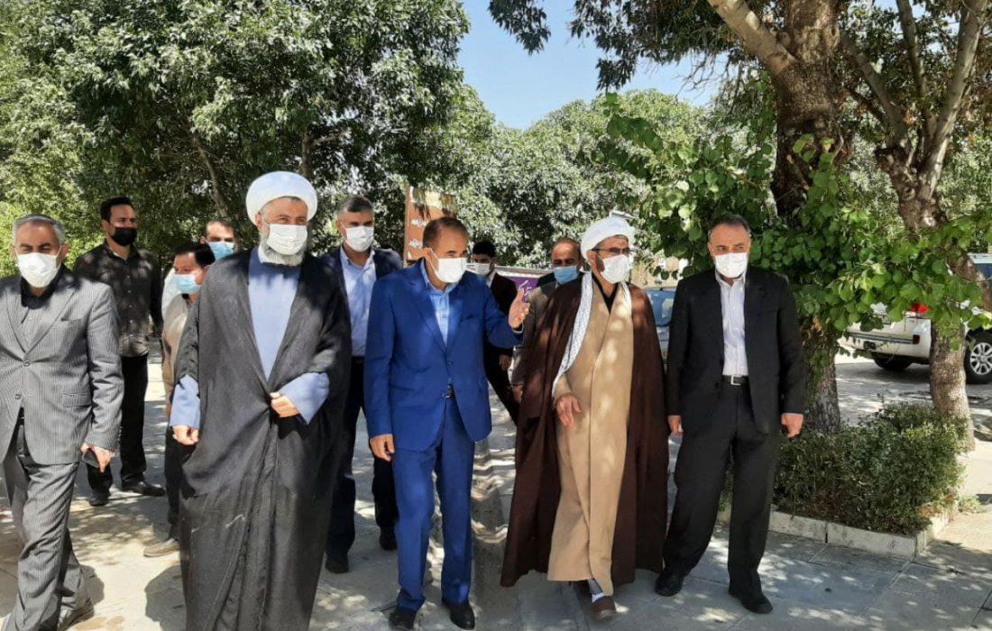 عطر افشانی مزار شهدای شهرستان خرمدره